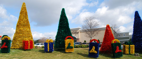 Commercial outdoor christmas decorations and exterior