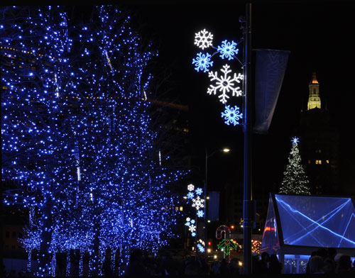 Stunning Blue Holiday Lights Snowflake Street Pole Decorations